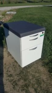 Mobile Steel 2 Drawer File Cabinet Nwob Unbranded White W cushion 4 Pick up