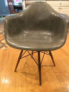 First Edition Eames Herman Miller Shell Chair C 1949 1950