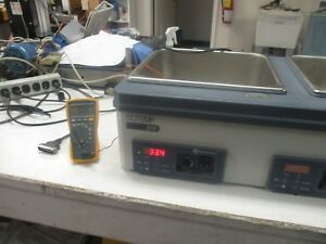 Fisher Scientific Model Isotemp 215 Digital Controlled Water Bath Good Used