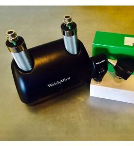 Welch Allyn Desk Charger Opthalmoscope Otoscope Excellent 2 Sleeves Speculas