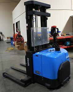 Electric Stacker Straddle Forklift 3520lbs cap W Stand On Platform Eoslift Ob