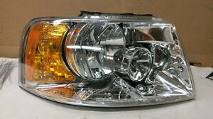 2004 Ford Expedition Passenger Side Headlight 114 00745ar