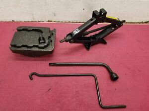 1998 2002 01 Toyota Corolla Spare Tire Jack And Tool Kit Complete