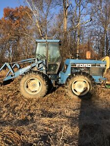 New Holland 9030 Hydrostatic Tractor With Quick Attach Tool Carrier