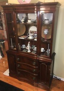 1950 S Antique 50 Duncan Phyfe Mahogany China Cabinet
