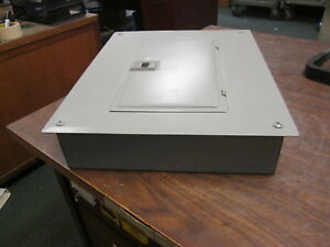Square D Main Lug Qo Load Center Qo12l125 125a 120 240v 12 Slot 1ph 12 slot Used