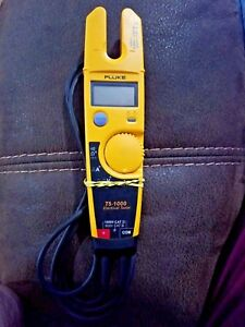 Fluke T5 1000 Voltage Continuity Current Electrical Tester
