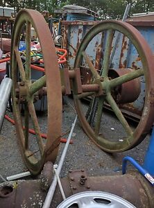 Large Antique Steam Or Gas Or Oil Well Engine Industrial Yard Art Read Descrip