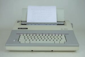 Smith Corona Xl1700 Portable Electronic Typewriter With Cover 100 Tested