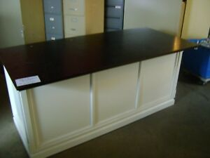 White Retail Center Counter Table Island Display With Cube Shelving