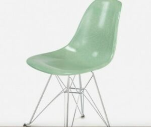 Eames 2 Mint Green Fiberglass Side Chairs With Wire Eiffel Base