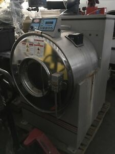 Milnor Washer extractor 60lbs manufactured 2002