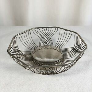 Vintage Wire Bread Or Fruit Basket Silver Plated 10 X 10 Interesting Pattern
