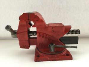 Vintage 3 1 2 Scout Bench Mount Vise With Pipe Jaws Forming Anvil