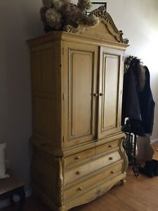 French Hunt Cabinet