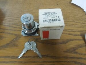 Cutler hammer 10250t15113 2 Pos Keyed Selector Switch Maintained Cam 1 Surplus