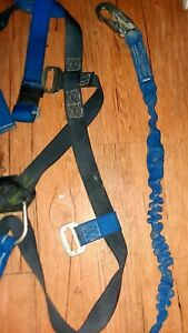 safety Harness W Fall Arrest Lanyard