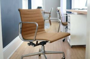 Pair Of Mid Century Modern Herman Miller Eames Aluminum Group Management Chairs
