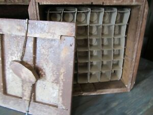 Antique Egg Wood Crate Carrier With Working Lid And Inserts