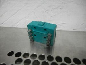 Micro Switch 41tb5 3 Pin Plunger Switch 10a 125 Or 250vac Used With Warranty