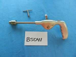 Zimmer Surgical Orthopedic Handle Drill With Chuck Key 522
