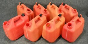 Wedco Essence 1 Gallon Plastic Gas Cans w120 lot Of 8 Missing Nozzles c