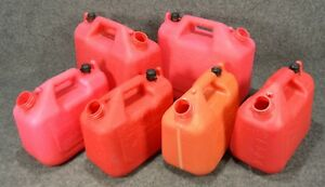 Wedco Essence 1 2 Gallon Gas Cans W120 W220 lot Of 6 Missing Nozzles d