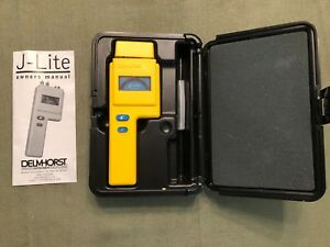 Delmhorst Instrument Co Wood Moisture Meter J lite W Case manual battery Exc
