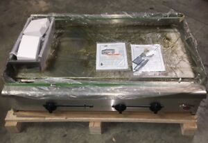 New Wells 48 X 30 Gas Griddle Hdg 4830g Box Damage Only