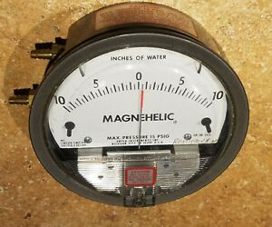 Dwyer 2320 Magnehelic Pressure Gauge 10 0 10 Max 15 Psig Excellent Condition