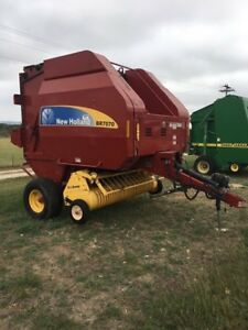 2009 New Holland Br7070 Round Balers