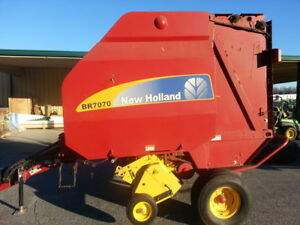 2008 New Holland Br7070 Round Balers