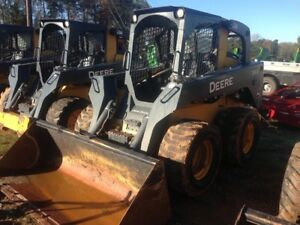 2014 John Deere 332e Skid Steer Loaders