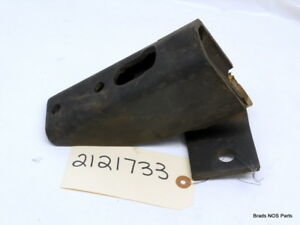 Nos Mopar 1960 61 Plymouth Valiant Dodge Lancer Right Front Motor Mount 2121733