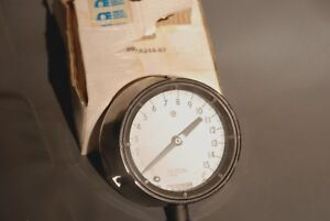 Omega 4 1 2 15 Psi fat Pressure Gauge 316 Stainless 3 Depth New In Box