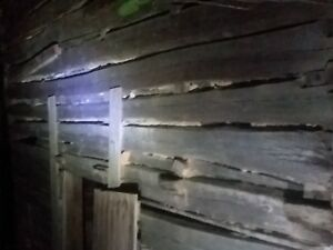 Reclaimed Wood Antique Salvage Historic Logs Barn Barnwood