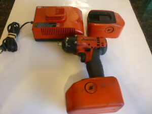 Snap On 3 8 Drive 18 Volt Cordless Impact Wrench Gun Two Batteries And Charger