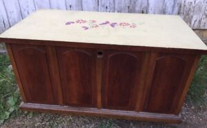 Lane Cedar Chest Record Cabinet On Casters Lock Removed 29 1 4 L X 15 5 D X 17 H