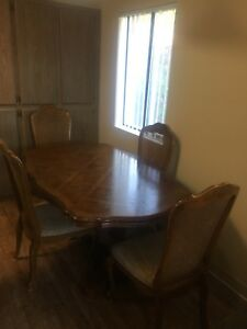 Vintage Dining Room Kitchen Table And Chairs