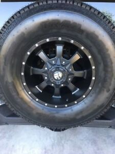 Jeep Wrangler 5 Rims And 5 Tires