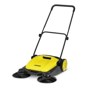 Outdoor Push Sweeper 4 2 Gal Bagless Concrete Tile Bare Floor Cleaning Karcher