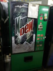 Very Rare Mt Dew Dixie Narco 368 Soda Drink Machine takes Bill coins can bottle