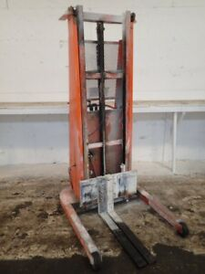 Pro Lifts Walk Behind Electric Straddle Lift 05182550018