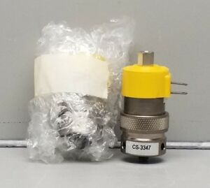 New Clippard Cs 3347 3 way Manifold Mount Valve With Threaded Top Port Lot Of 2