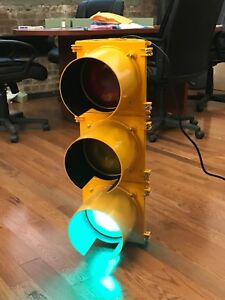 Official Traffic Light Brand New From Factory Wired W Controller