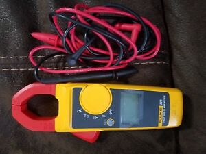 Fluke 323 True Rms Clamp Meter With Test Leads