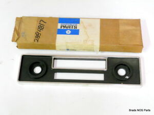 Nos Mopar 1970 76 Plymouth Valiant Dodge Dart Am Radio Black Bezel 2884817
