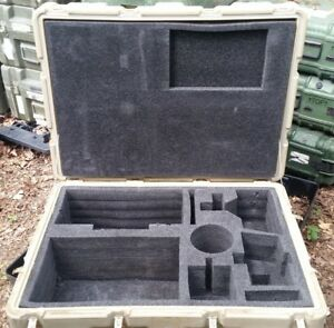 Hardigg 34 X 24 X 16 Id Hinged Lid Military Wheeled Case Pelican Shipping Trunk