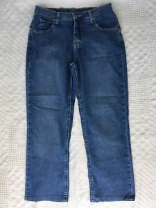 Ladies Rider by Lee Classic Fit Straight Leg Blue Jeans Size 10P 10 Petite