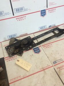 Nos 1946 1948 Ford Passenger Car Window Regulator R h 11a 7023200